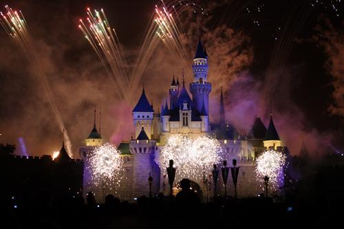 Disneyland Resort HongKong - Sleeping beauty castle with firework