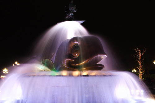 Disneyland Resort HongKong - Mobydick water fountaine with Mickey Mouse surfing on top